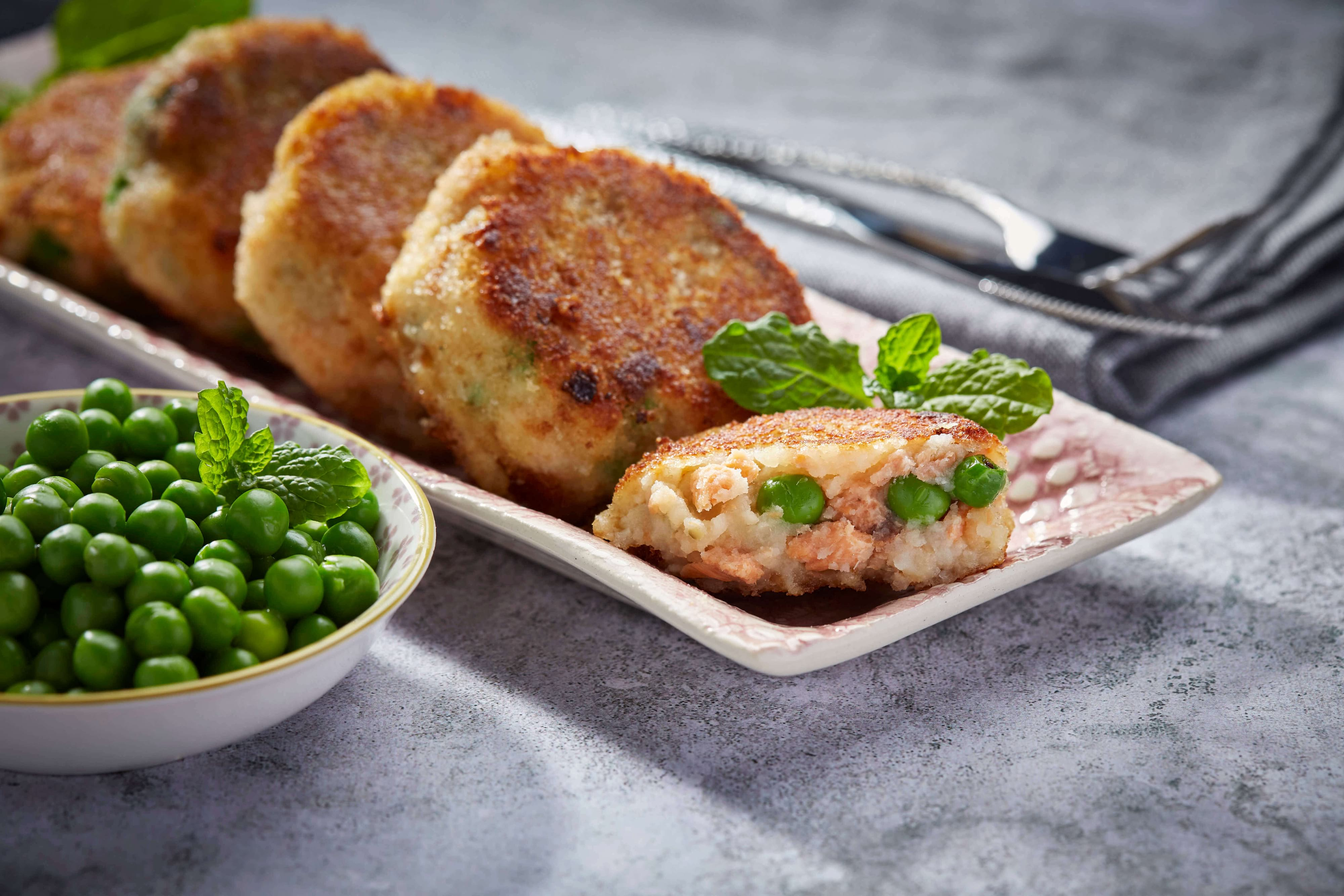 Salmon and pea fishcakes